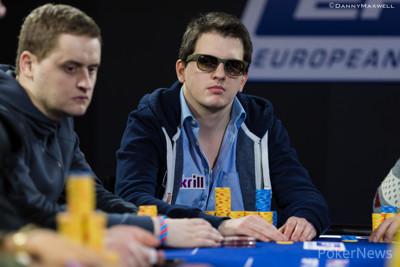 Texas holdem zynga poker download