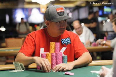 JC Tran avoided Jason Mo's trap after the latter made a full house with the lowly deuce-seven and checked all three streets
