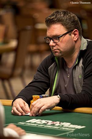 Mike Peltekci Leads Final 52