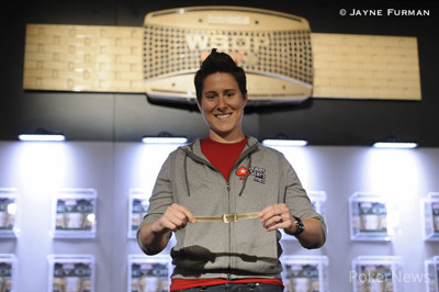 Vanessa Selbst with her gold bracelet