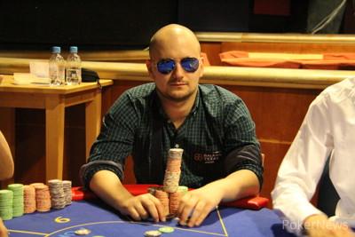 Mario Menićanin, čip lider posle Dan 1a sa 159,200