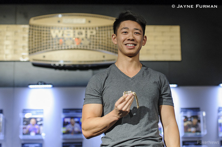 Tommy Hang with his gold bracelet from Event 27