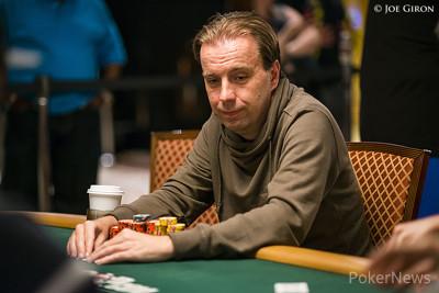 Marcel Vonk returns as chip leader