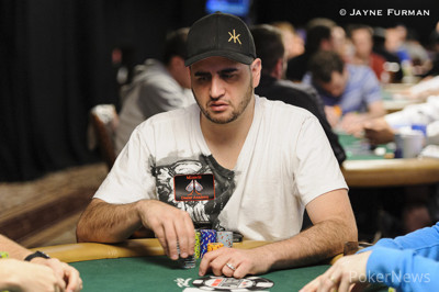 Robert Mizrachi seeks his second bracelet.
