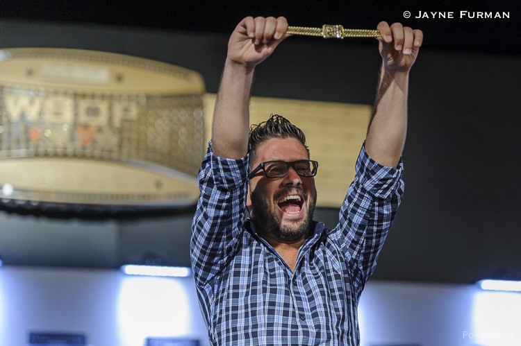 Davide Suriano with his gold bracelet from Event 40