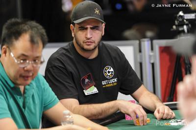 Robert Mizrachi now has the chip lead.
