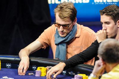 Christoph Vogelsang Flops a Full House