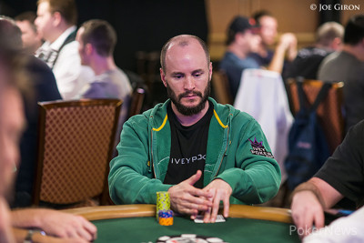 Mike Leah flopped a straight flush.