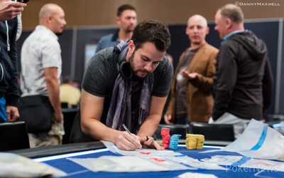 Fee bags the Day 1 chip lead