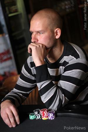 Vmagnus poker