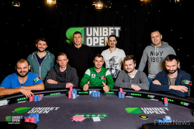 Final Table Group Picture