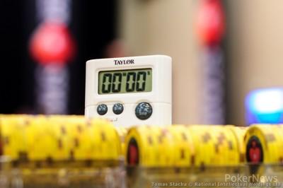 Shot clock for the PokerStars $25K Turbo