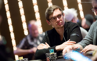 Fedor Holz, still in contention