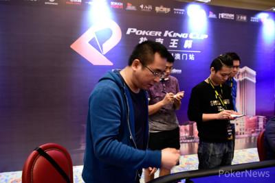 Zhong Yuan Hang busts in third place to take play heads-up