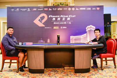 Malaysia's Michael Soyza (l) and China's Longyun Li (r) are now heads-up for the title