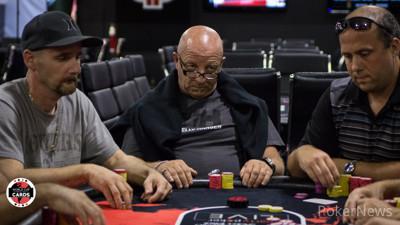 Adam podstawka poker