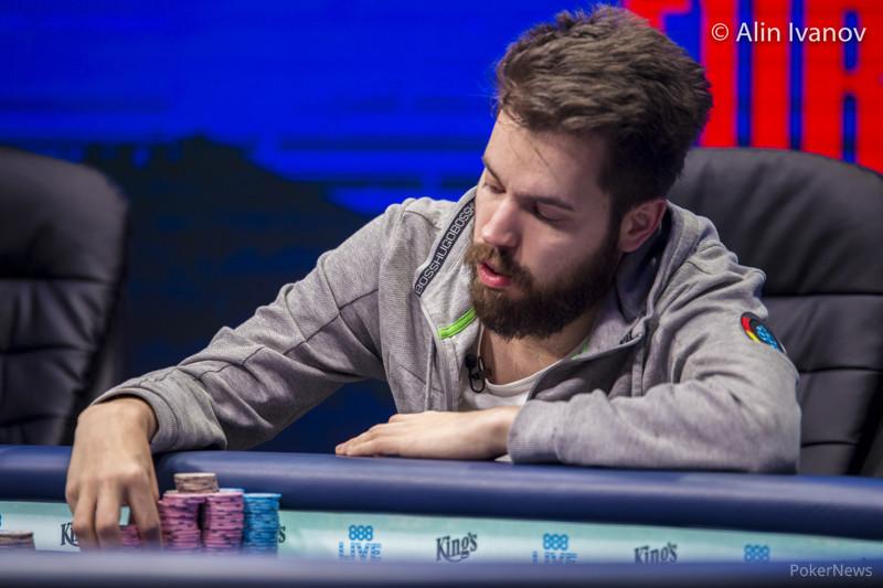 Mesa poker inflavel piscina