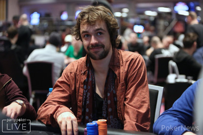 Ole Schemion among the big stacks on Day 1d