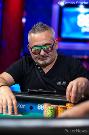 Ali Zihni Eliminated In 10th Place 46 114 2019 World Series Of Poker Pokernews