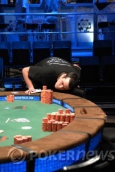 PokerNews Reporter Counts Chips