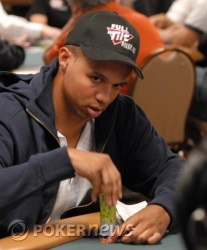 Phil Ivey remains alive in the $3,000 H.O.R.S.E. event