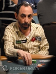 Barry Greenstein chipleader della classifica del Day 1