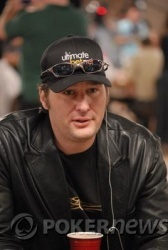 Phil Hellmuth - Eliminato