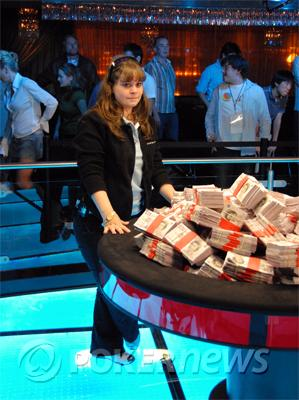 Annette Obrestad - Poker Legends 103