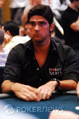 Brett Daphne chipleader dag 1B - Aussie Millions Report 103