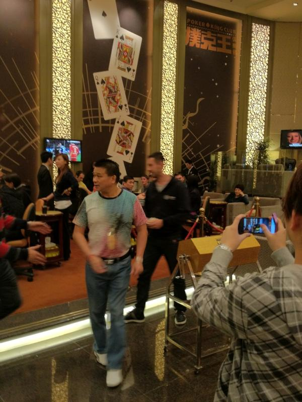 Dwan, Ivey a Chan zase řádili v Macau 101