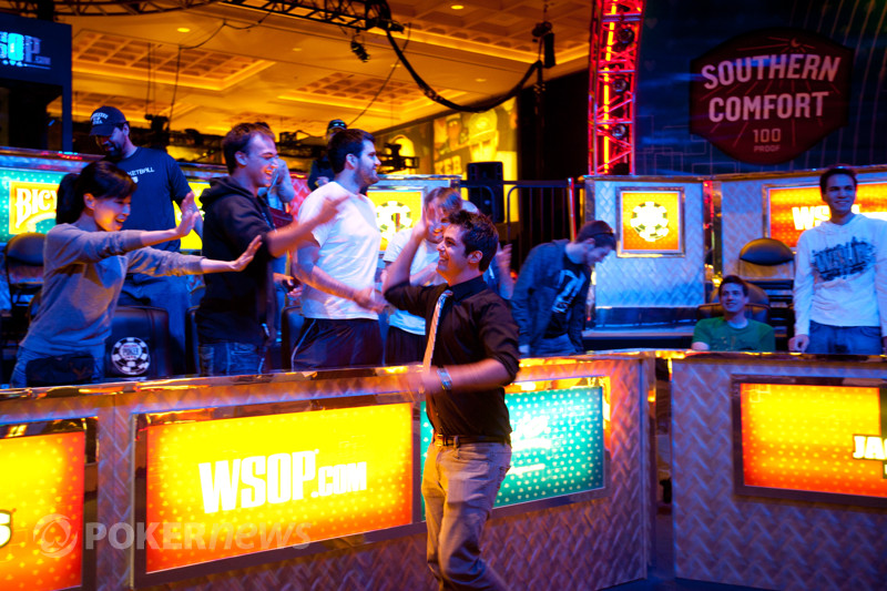2012 WSOP: Ivey na dalším finálovém stole! 102