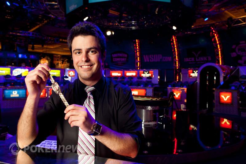 2012 WSOP: Ivey na dalším finálovém stole! 103
