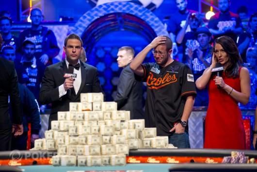 Top 10 příběhů roku 2012: #5a, Greg Merson vyhrává hlavní turnaj WSOP a cenu POY 102
