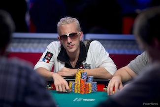 How are the Octo-Niners, Team Ivey & Team PokerStars Faring in the 2013 WSOP Main? 102