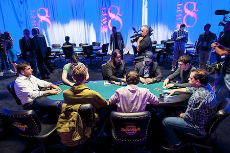 Matt Glantz Leads Final Nine of Inaugural World Poker Tour Alpha8 0,000 Event 101