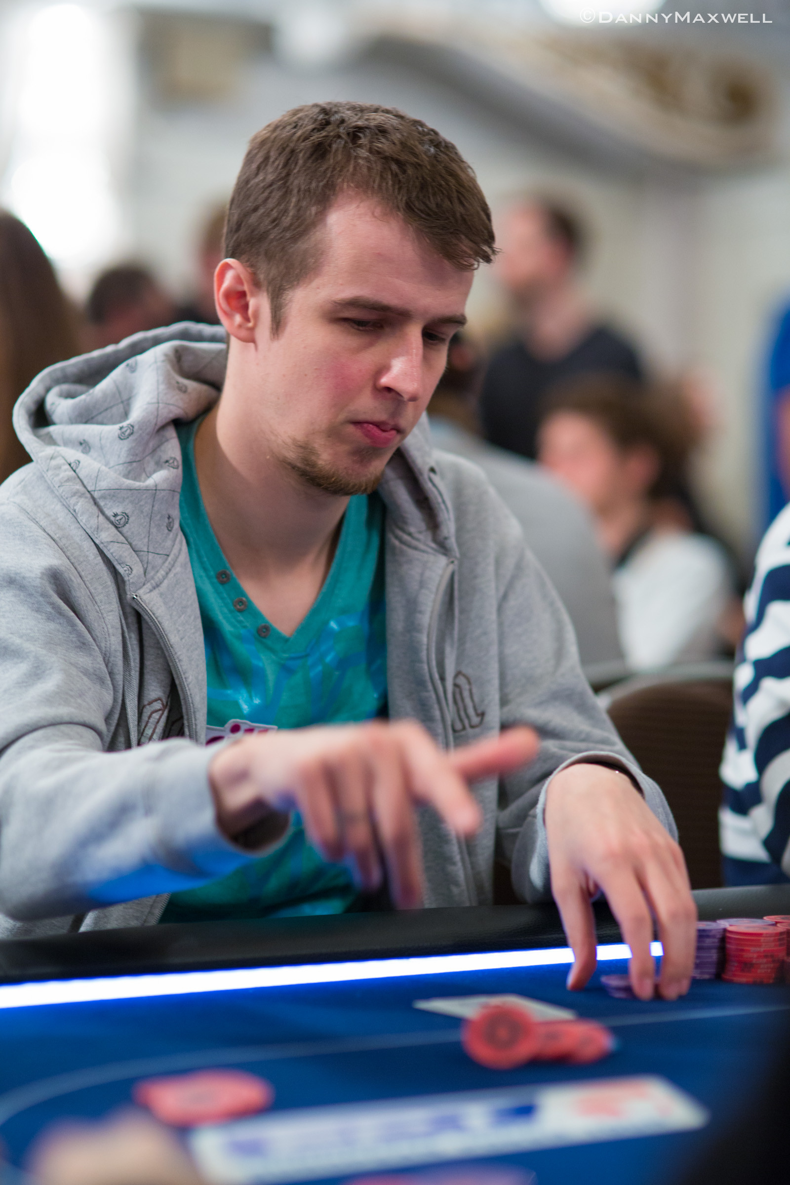 PokerStars.com EPT London Main Event Dzień 3: Kozlov liderem, uczniak w kasie! 103