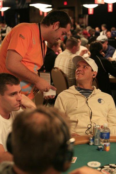 De las mesas de póker al plató de 'El Chiringito de Jugones' 101