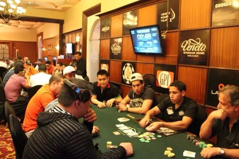 Mexicanos Calificados a el Día 2 en el Veneto Poker Tour 2014 en Panamá 101