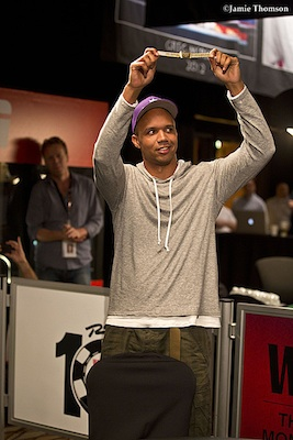2014 World Series of Poker Day 32: Phil Ivey Wins Bracelet #10, Ties Brunson, Chan 101
