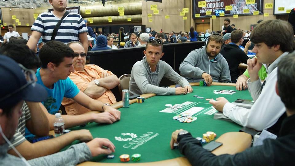 Dejan Divković i Alen Bilić iz Bosne i Hercegovine u Las Vegasu tokom 2014 WSOP 101