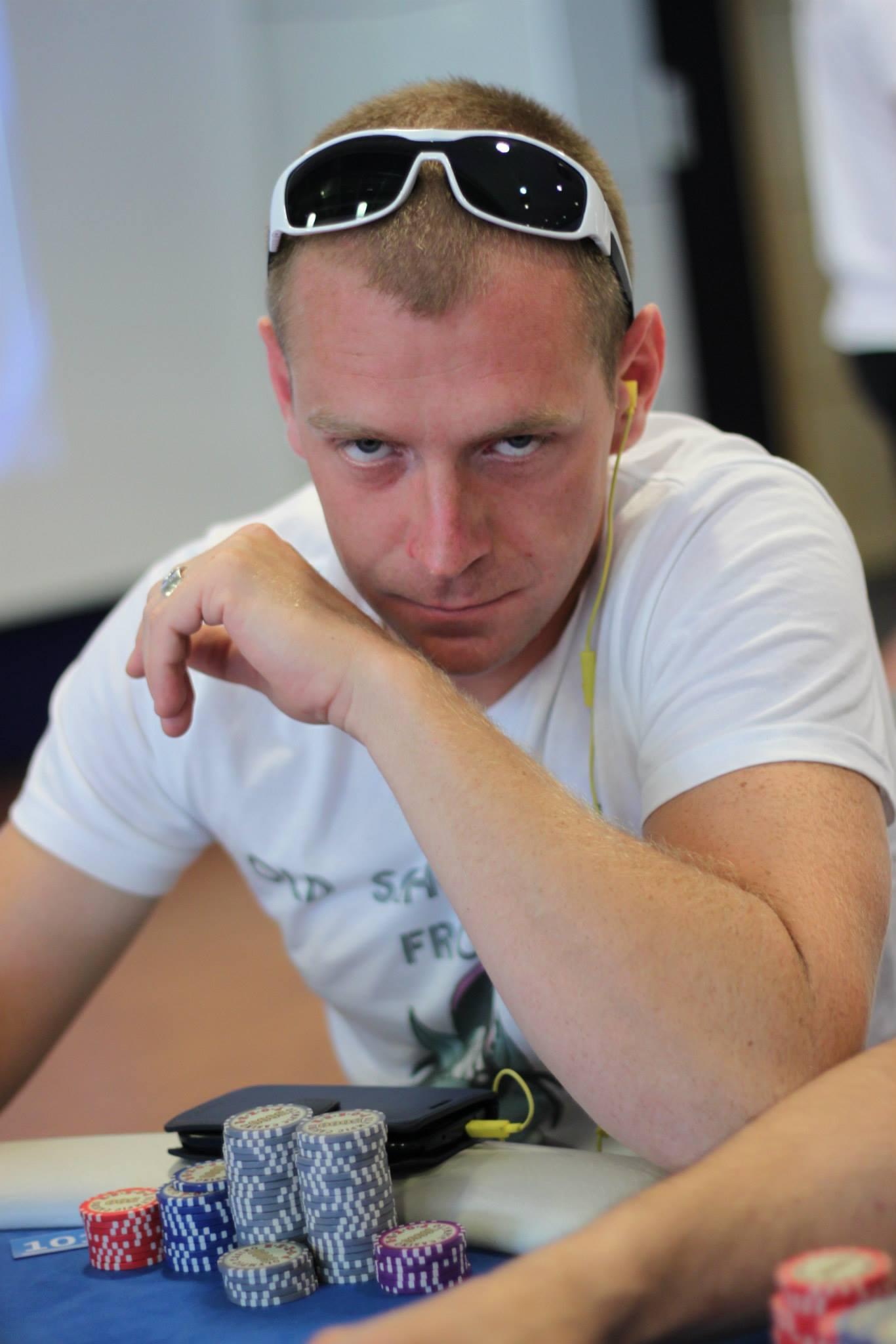 Südasuvine pokkeriturniir meelitas laudadesse paarsada mängijat 101