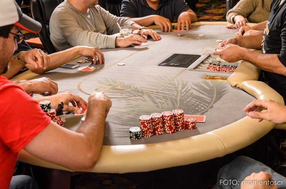 Torneo de inauguración del Poker Grand Casino 102