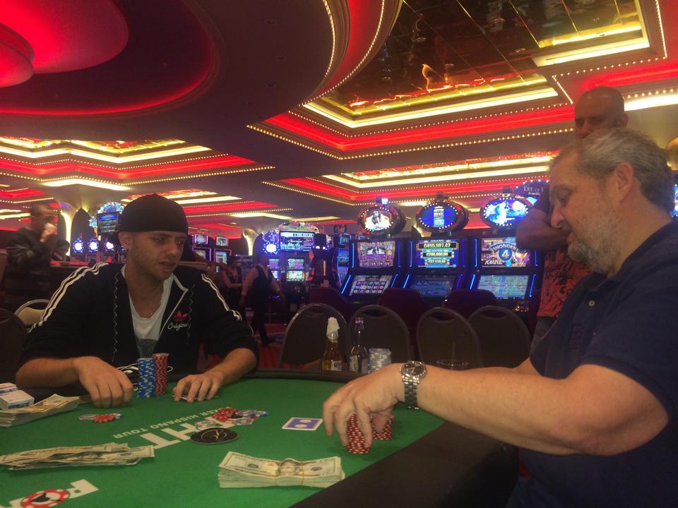 Grand Casino inauguró su sala de póker con gran torneo 101