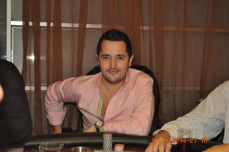 """Bluff Poker Festival; High Roller Aaron """"el diablo""""  Olechnowicz  y clasificados del día 1A 102"""