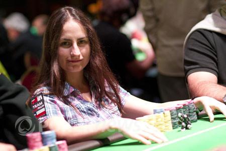"""Daniela Horno: """"No tengo miedo de bluffear hasta el final"""" 102"""