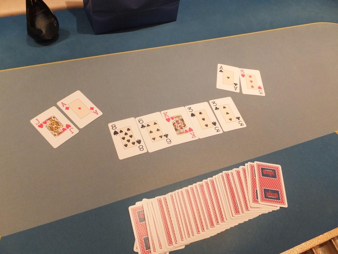 3-iajame šalutiniame Kauno klubinio pokerio čempionato turnyre nepralenkiamas buvo Lukas... 101