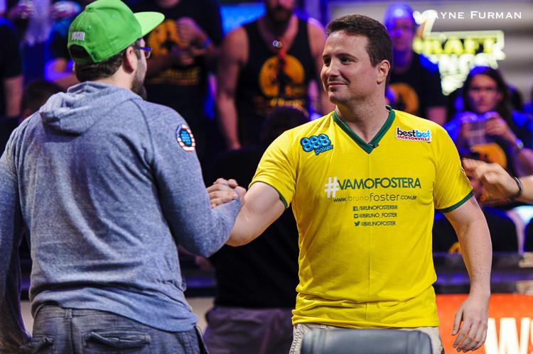 Důležité okamžiky z finále Main Eventu WSOP 2014 102
