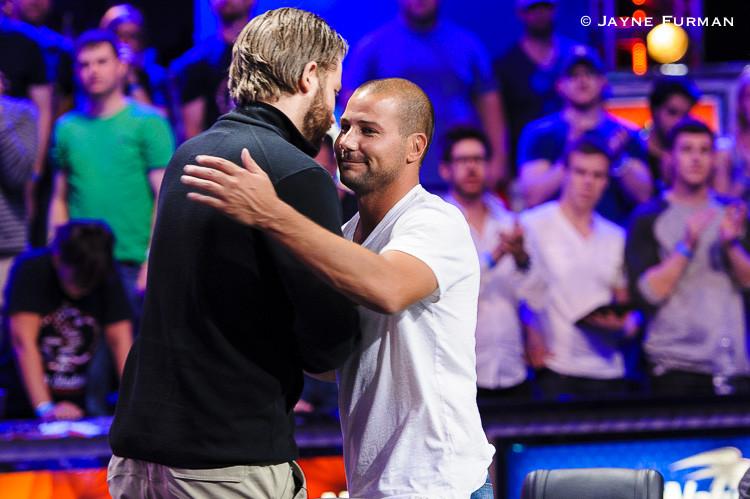Důležité okamžiky z finále Main Eventu WSOP 2014 103