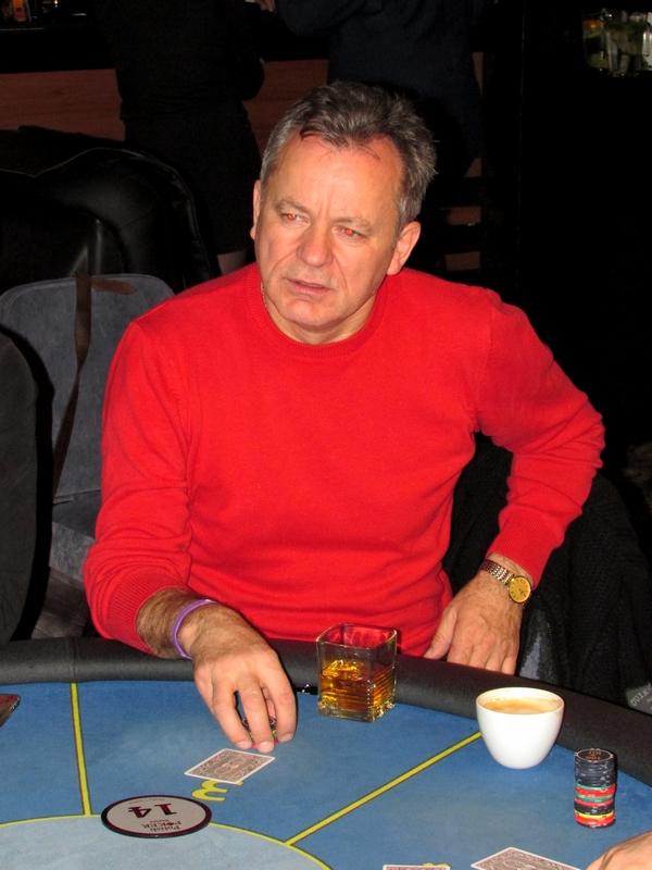 Finał Polish Poker Series - dzień 1A - relacja na żywo 03:30 129