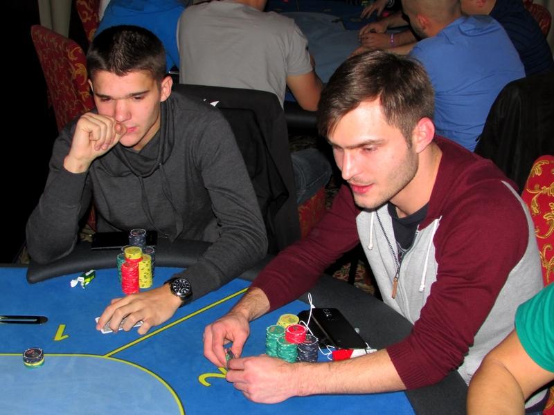 Finał Polish Poker Series - dzień 1A - relacja na żywo 03:30 133